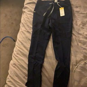 Brand new Figs Scrub pants in Navy Blue